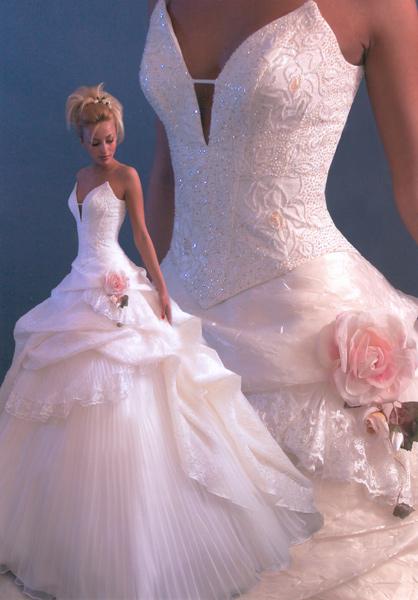 Платья с розами недорогие короткие